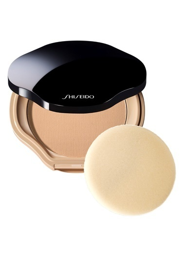 Shiseido Kapatıcı Renkli